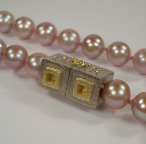2007-02-23 hughes pearls 008 crop